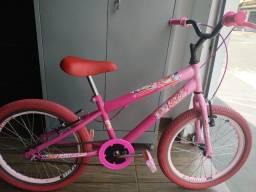 Bicicleta aro 20 da Barbie com rodas aero