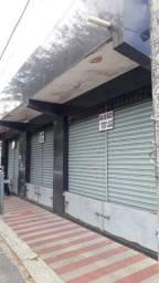 Ponto comercial 2 portas no bairro Conjunto dos Bancários, 250m²