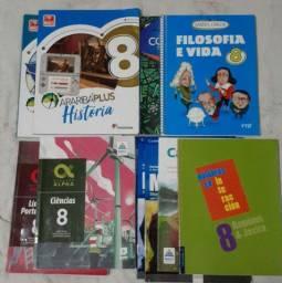 Livros Sagrada Familia 8°ano!!