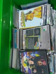 Lote com mais de 400 DVDs