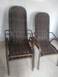 Cadeiras de área em fibra sintética