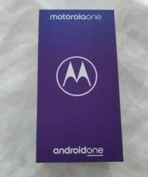 Vendo caixa do celular Motorolaone novinha