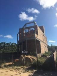 Casa em construção na praia de massarandupió