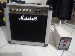 Caixa de som amplificadora Marshall Mg15series