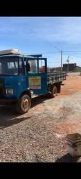Caminhão 608B ótimo estado