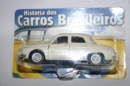 Miniatura de Carro Nacional Renault Dalphine Gordini da Maísto