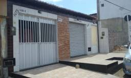 Casa na Av. Governador Antônio de Melo e Souza