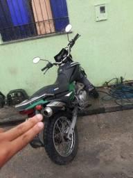 Vendo ou troco minha moto.