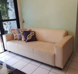 Sofá em couro - 4 lugares