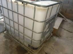 Bombona reservatório 1000 litros 250 reais