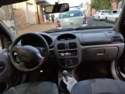 Clio sedan 1.0 2001 4p