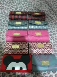 Bolsas femininas com alças