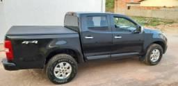 S10 em perfeito estado 4 pneus novos bancos em couro novíssima - 2013