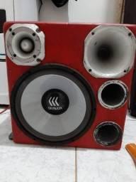 Caixa de som trio com amplificador