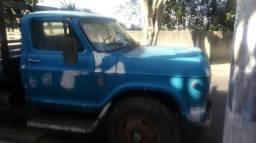 Chevrolet C65 a gasolina ano 75