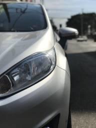 Fiesta Hatch 1.6 Titanium - 2015