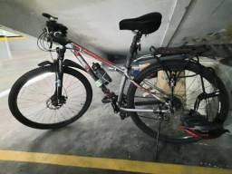 Bicicleta MTB da marca americana KHS
