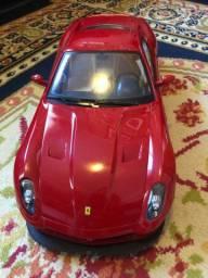 Ferrari 599 GTB Fiorano com controle remoto