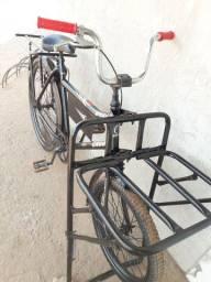 Vendo essa linda bicicleta cargueira 350 entrego.