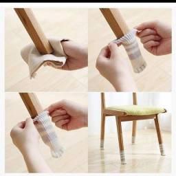 Meias para pés de cadeiras e mesas de patinhas