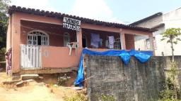 Vendo um lote com casa em Areinha Viana