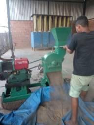 Maquina trituradora de coco babaçu ( moinho com martelos