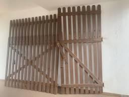 Portao madeira nobre