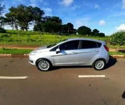 Vende-New Fiesta Titanium Powershift 2016 - Baixa km