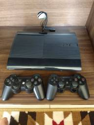 Playstation 3, Slim, 250GB, 2 controles,  mais 30 jogos.