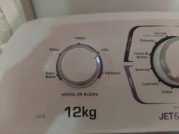Máquina de lavar Eletrolux 12 kg por 1.400