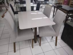 Mesa com 6 cadeiras laqueada á Pronta entregar !
