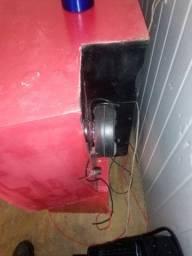 Vendo caixa de som com 4 auto falantes