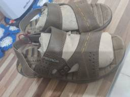 Sandália pegada masculina