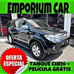 TANQUE CHEIO SO NA EMPORIUM CAR!!!! HILUX SW4 D4 DIESEL SRV 4X4 AUT LUGARES 7 ANO 2011