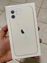 iPhone 11 64GB branco - novo, lacrado, garantia Apple de 01 ano, no precinho