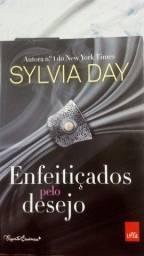 Livro 'Enfeitçado pelo Desejo'