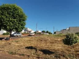 Vendo terreno no Jd. Caravelle em Umuarama-PR