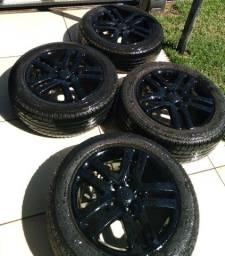 Pneus Dunlop e Rodas 17 5 furos