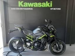 Kawasaki Z900 Metallic Flat Spark Black 2021