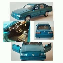Miniatura Volkswagen Santana Novo