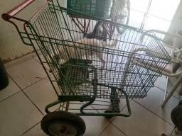 Carrinho de compras com pneus