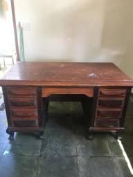 Vendo mesa de escritório medindo 1,48 comprimento x ,082 largura