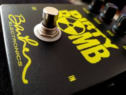 Pedal de Boutique Barber Dirty Bomb (ñ Marshall Jcm Jhs Boss Strymon Bogner)