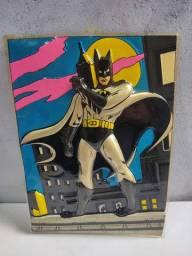 Gravura de plástico do Batman de 1989 em alto relevo