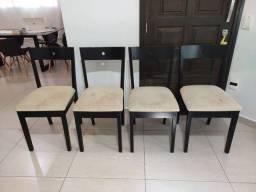 Jogo de 4 cadeiras semi-novas