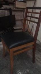 Cadeira almofada de madeira