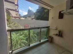 Excelente Apartamento MOBILIADO com 2 quartos, suíte e vaga em Botafogo