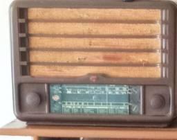Radio e tv antigos