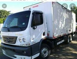 Título do anúncio: Caminhão Mercedes parcelado com baú 2010