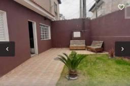 Casa em Itapuã